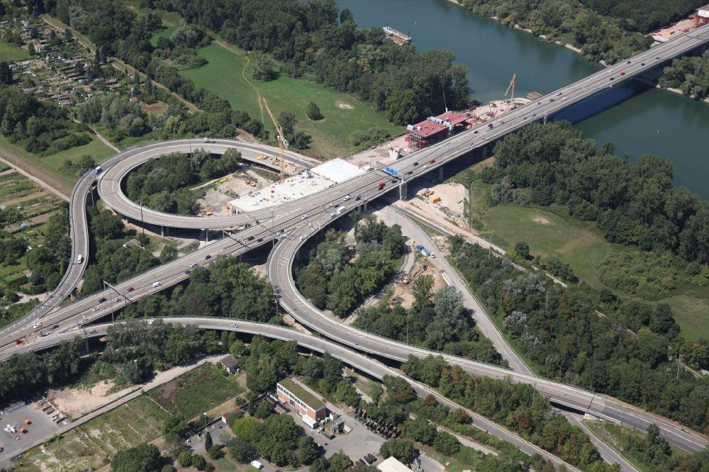 Brücke Schierstein
