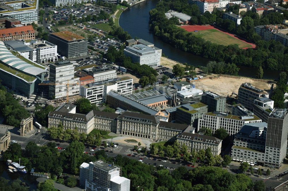 Bauunternehmer Berlin luftaufnahme berlin baustelle zum neubau eines büro und