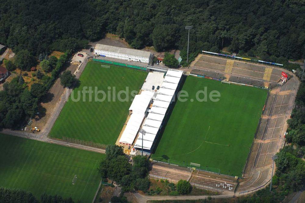 luftbilder-blick-stadion-alten-foersterei-berlin-67423.jpg