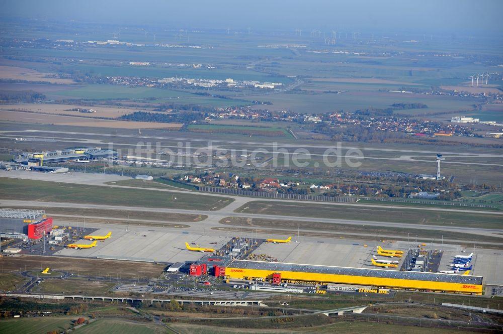 Leipzig Schkeuditz Von Oben Dhl Hub Leipzig Gmbh Auf Dem Flughafen