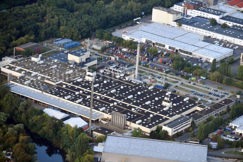 Berlin von oben - Firmengelände der Getränke Nordmann GmbH an der ...