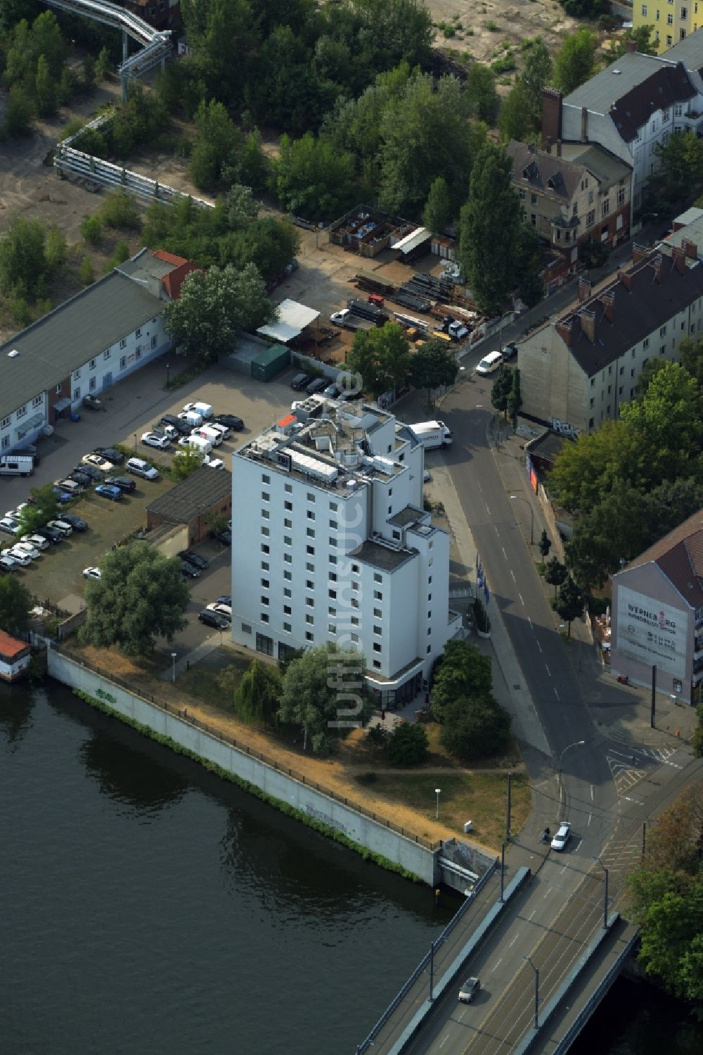 Luftbild Berlin Gebaude Des Hotels Nh Berlin Treptow Am Ufer Des