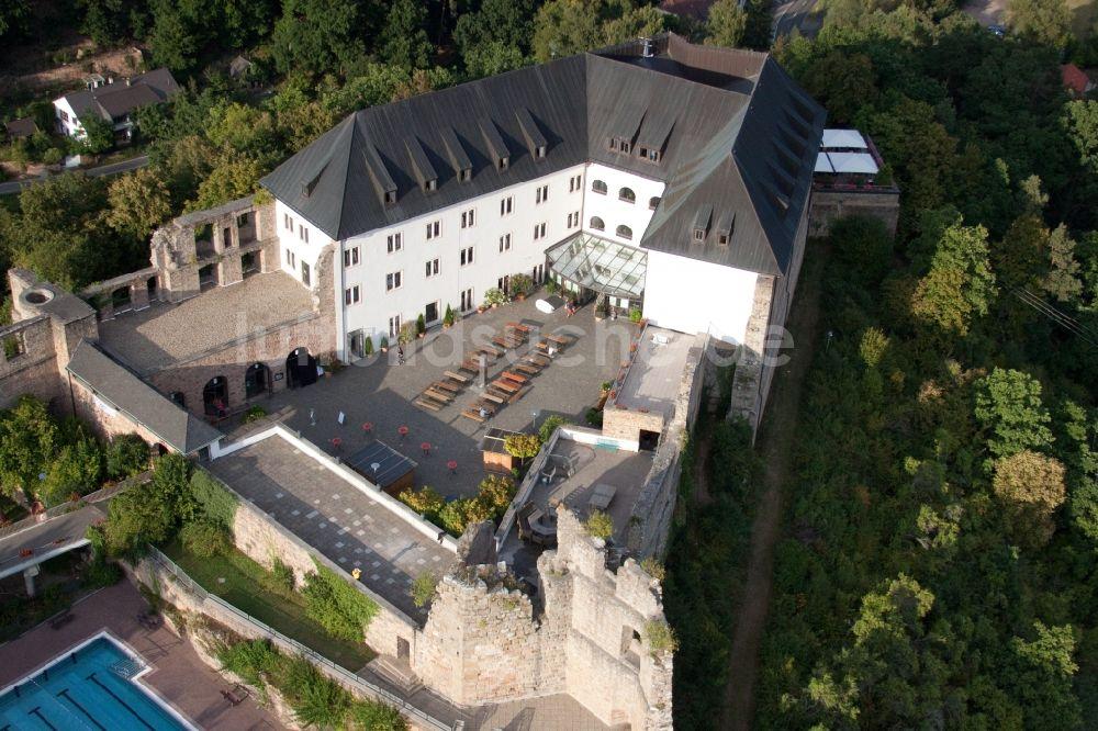 Luftbild Wattenheim - Gebäude der Jugendherberge Burg Altleiningen ...