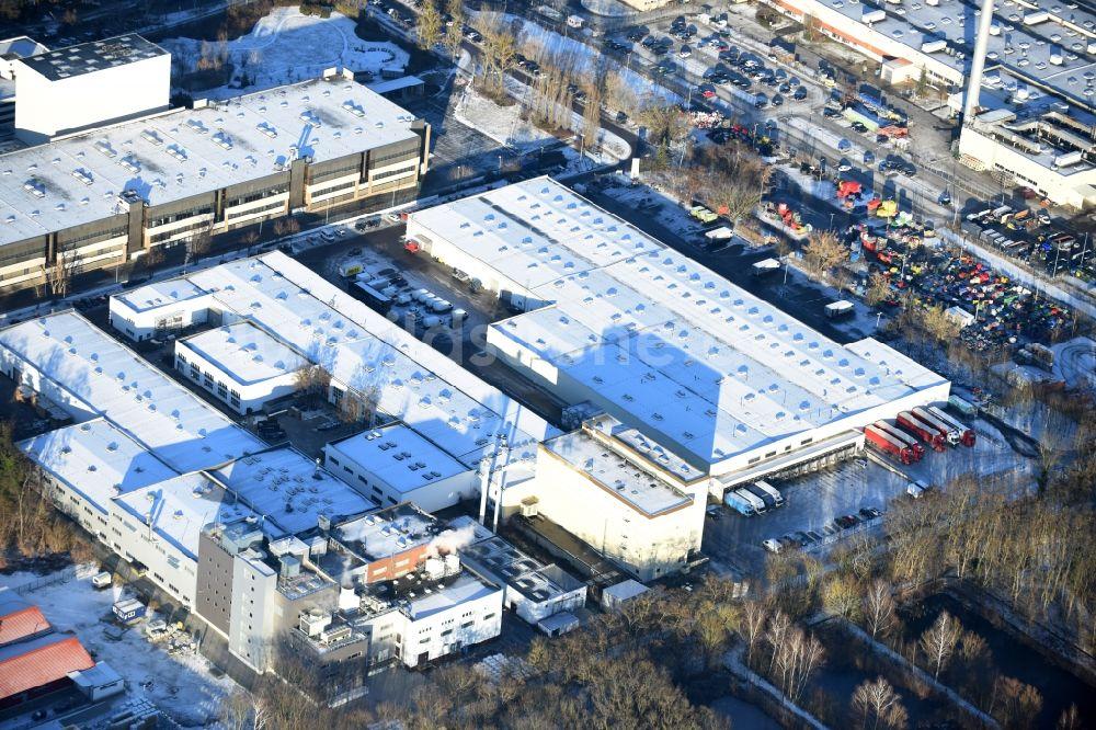 Luftaufnahme Berlin - Gebäudekomplex und Logistikzentrum auf dem ...