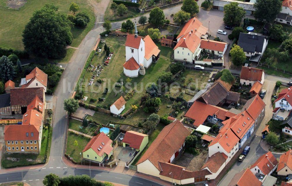 Luftaufnahme Kornhochheim - Kirche Sankt Nikolaus mit