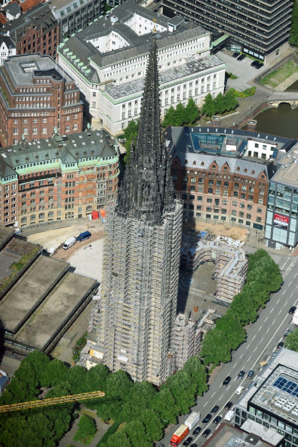 Luftbild Hamburg Kirchenturm Am Kirchengebäude Mahnmal St
