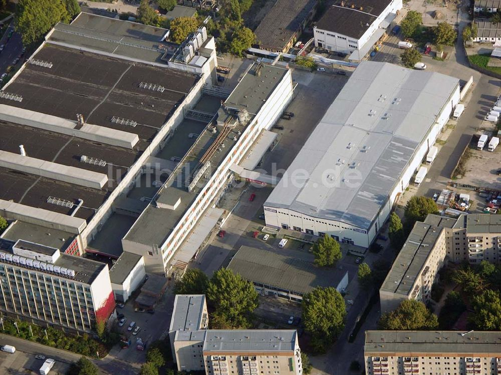 Luftaufnahme Berlin-Friedrichshain - Möbeloase in Friedrichshain.