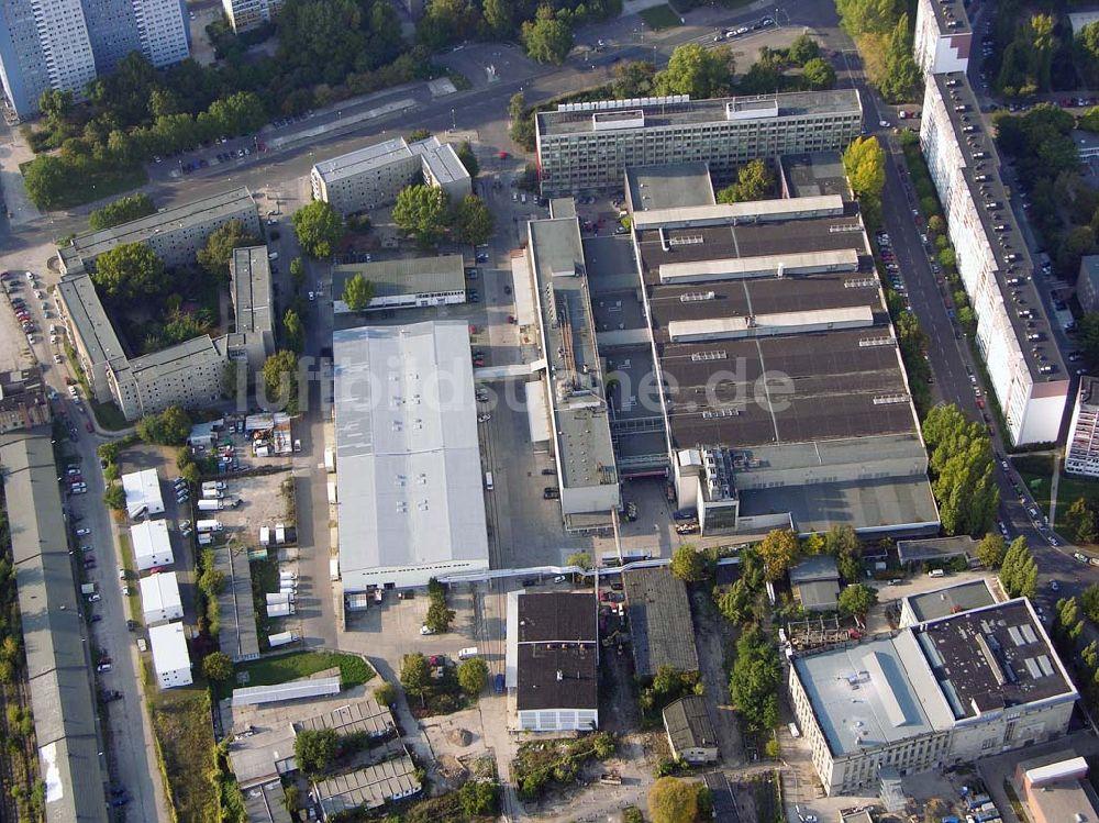 Luftbild Berlin-Friedrichshain - Möbeloase in Friedrichshain.