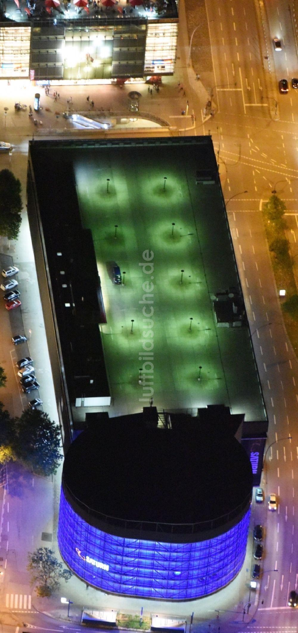 Luftbild Hamburg Parkdeck Auf Dem Gebäude Des Parkhauses Saturn An