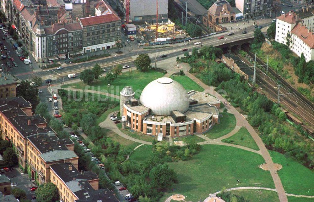 luftaufnahme berlin prenzlauer berg planetarium berlin prenzlauer berg am th lmannpark. Black Bedroom Furniture Sets. Home Design Ideas