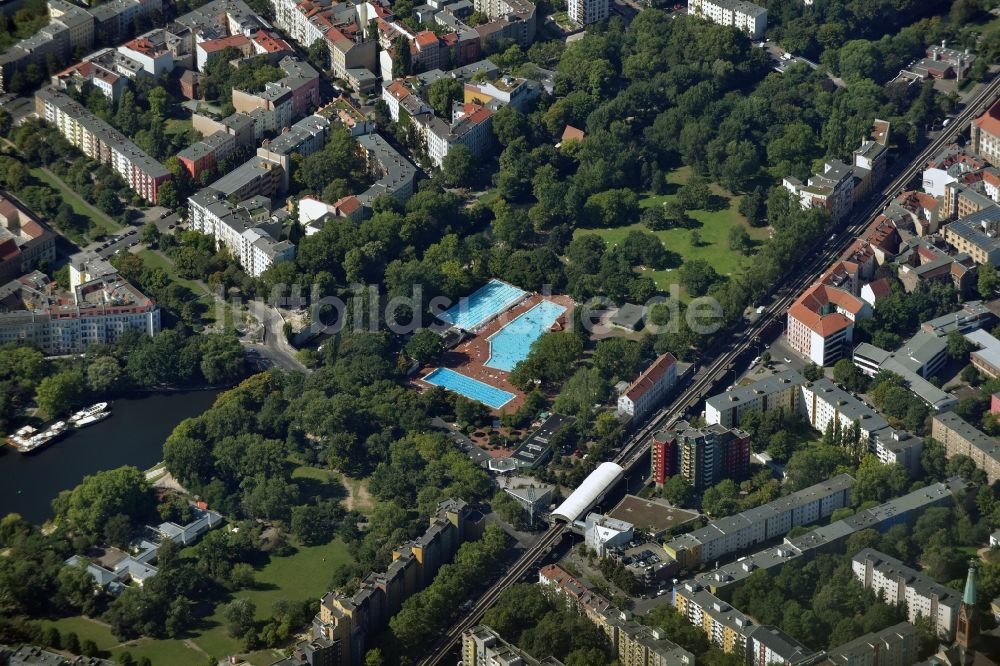 Luftbild Berlin   Schwimmbecken Des Freibades Prinzenbad In Berlin
