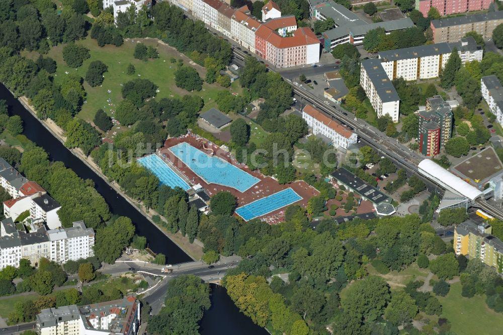 Luftbild Berlin   Schwimmbecken Des Freibades Sommerbad Kreuzberg In Berlin