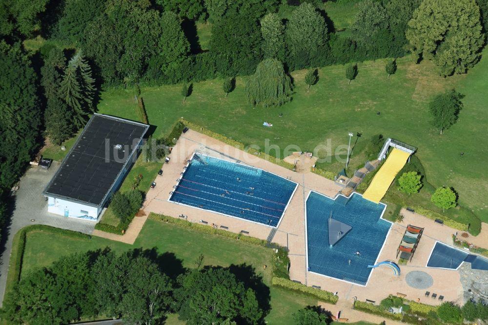 Freibad Taucha oben schwimmbecken des freibades in taucha im bundesland sachsen