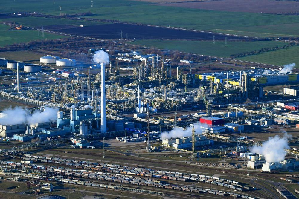 Luftbild Leuna - TOTAL Raffinerie Mitteldeutschland in Leuna ...