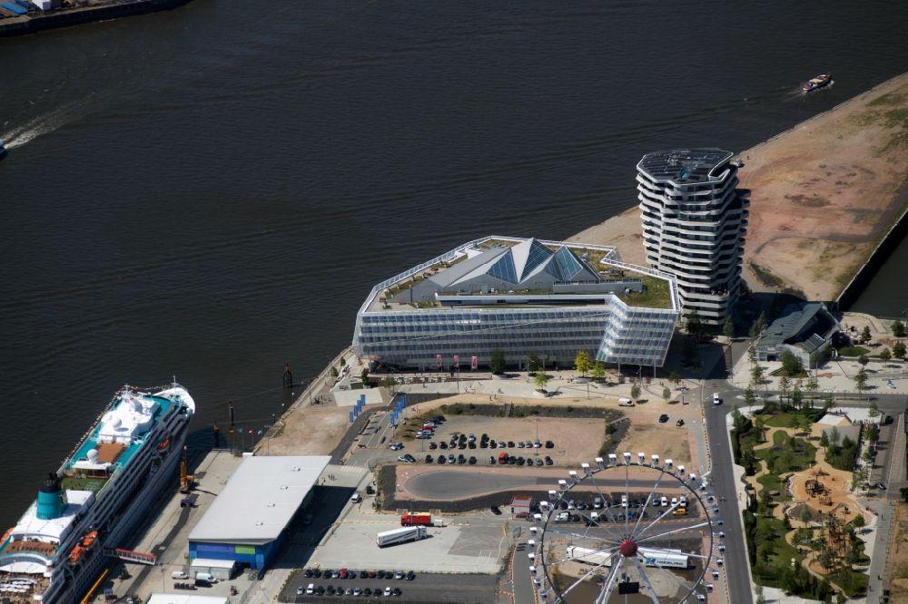 Luftaufnahme Hamburg - Unilever-Haus und Marco-Polo-Tower in der ...