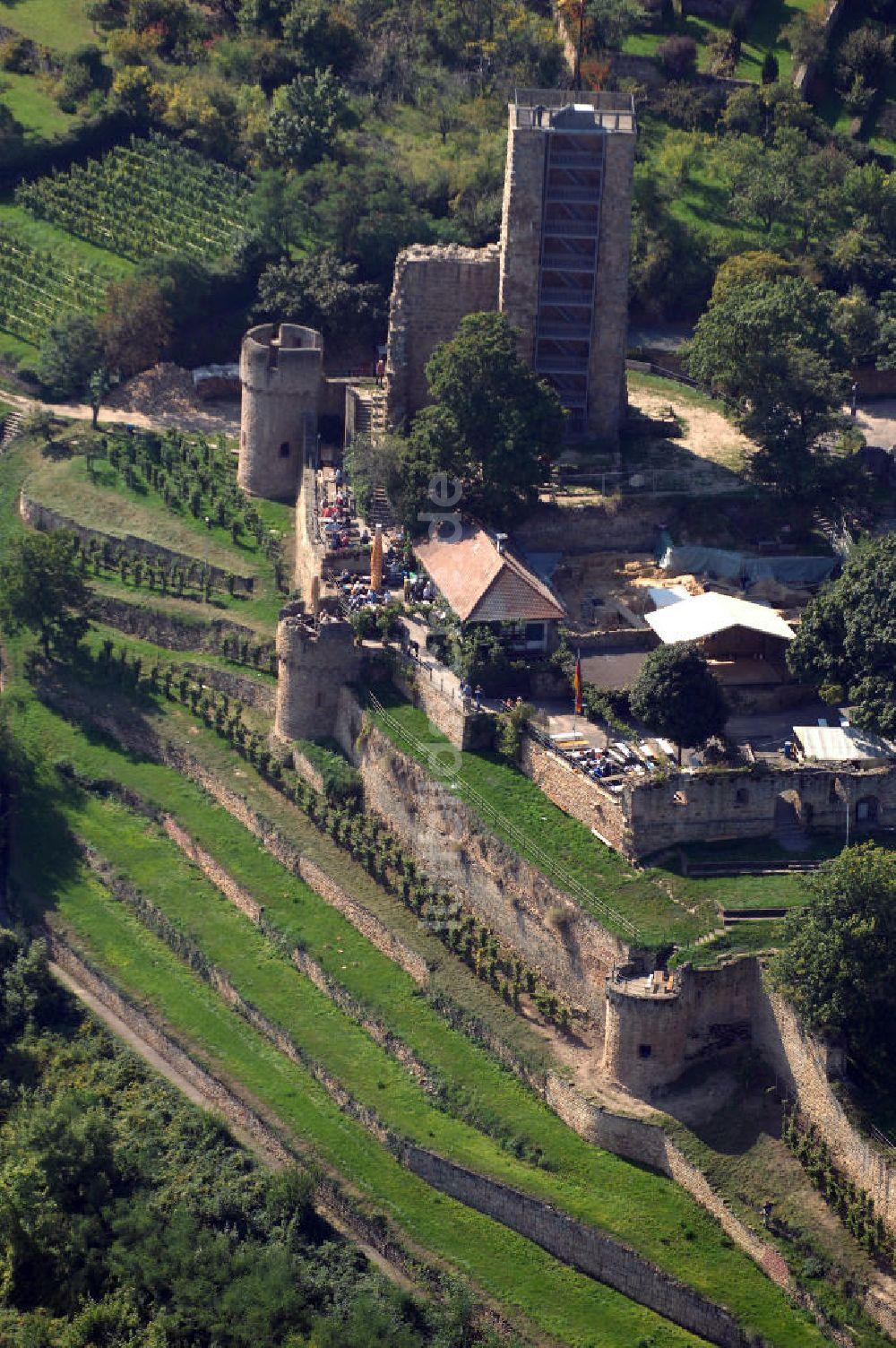 Wachenheim von oben - Wachtenburg in Wachenheim an der Weinstraße