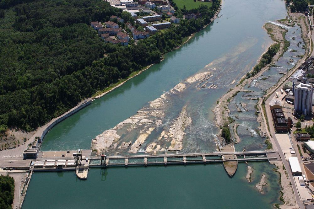Luftaufnahme rheinfelden baden wasserkraftwerk und fischtreppen am ufer des rhein in for Freibad rheinfelden baden