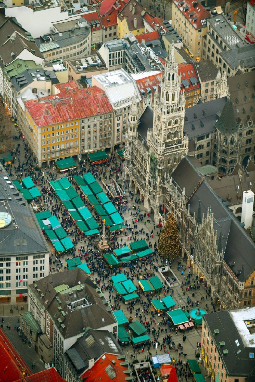 Marienplatz Weihnachtsmarkt.Luftaufnahme München Weihnachtsmarkt Veranstaltungsgelände Und