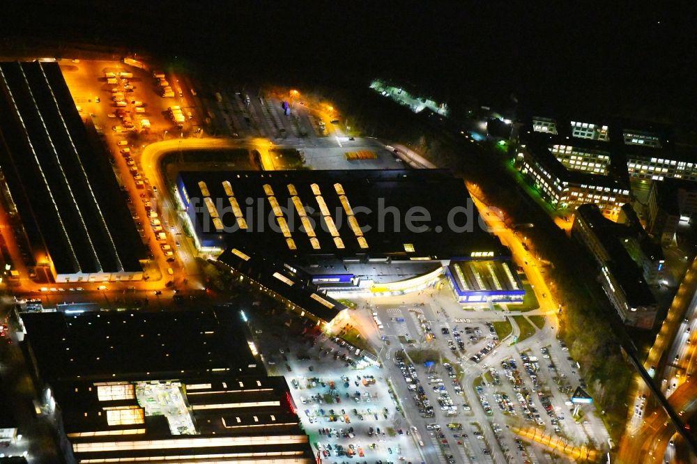 Berlin bei Nacht aus der Vogelperspektive: Nachtluftbild