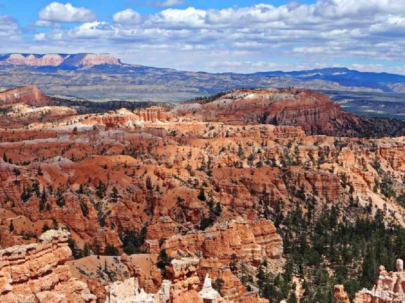 Felsen- und Berglandschaft Bryce-Canyon-Nationalpark in Bryce in Utah, USA