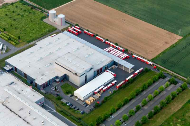 Lagerhallen und Speditionsgebäude der  Tricor Packaging & Logistics AG in Offenbach an der Queich im Bundesland Rheinland-Pfalz, Deutschland