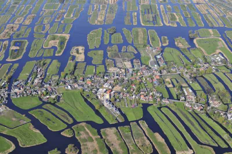Polderlandschaft in Oostzaan in Noord-Holland, Niederlande